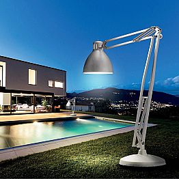 Leucos The Great JJ outdoor designer floor lamp made of aluminum