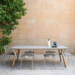 Outdoor dining table with teak wood legs, H 65 cm Link by Varaschin
